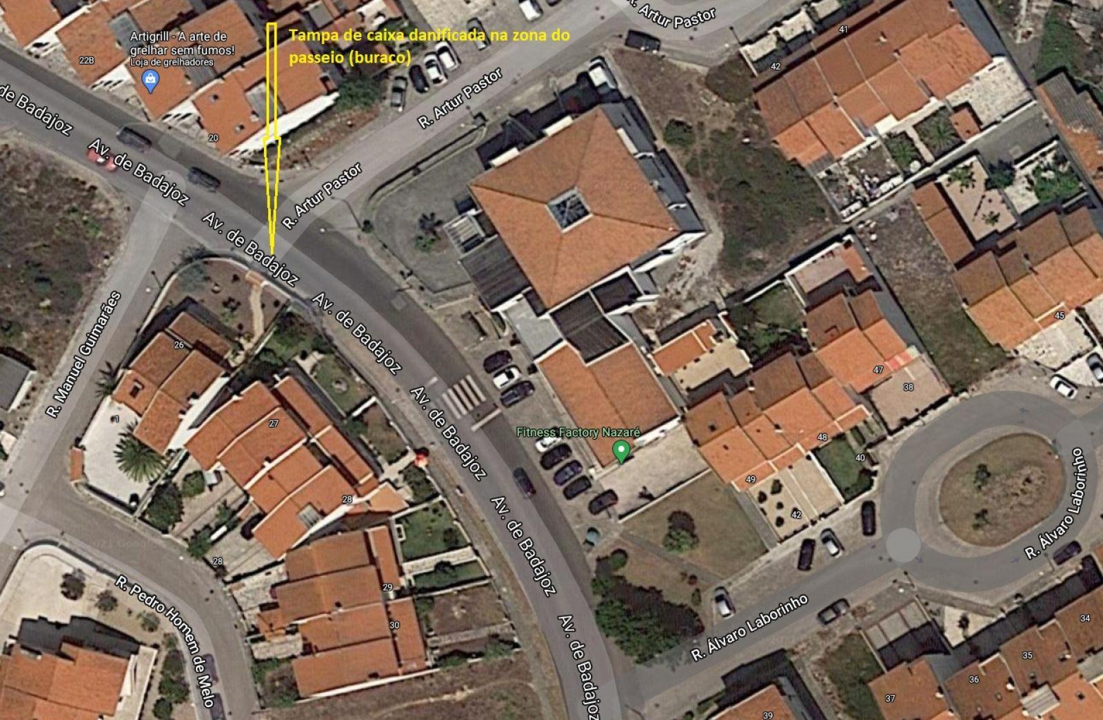 Câmara Municipal da Nazaré - Danos na via publica - caixa sem tampa